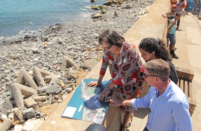 Mayor De Lille visits desalination plant site at V&A Waterfront